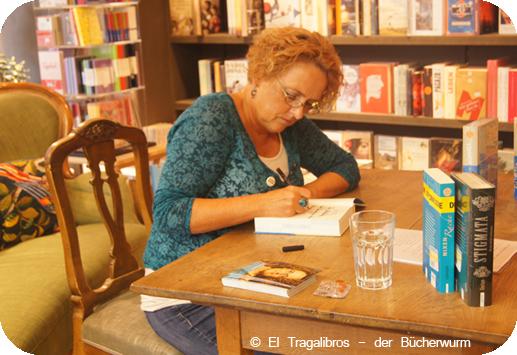 Beatrix Gurian in der Buchhandlung 13 /2 in Würzburg