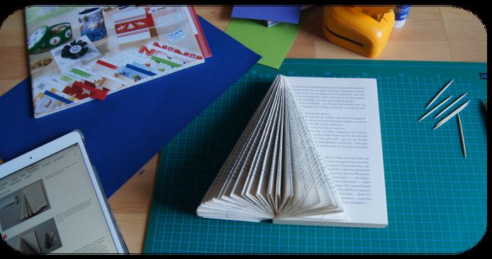 Buch-Weihnachtsbaum: Immer weiter falten